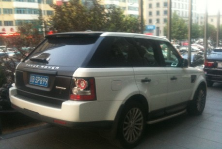 Range Rover Sport is a bit matte black in China