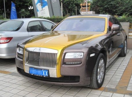 Rolls-Royce Ghost in a bit of Gold in China
