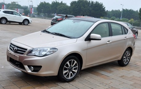 Spy Shots: SouEast V6 Ling Shi arrives at the Guangzhou Auto Show