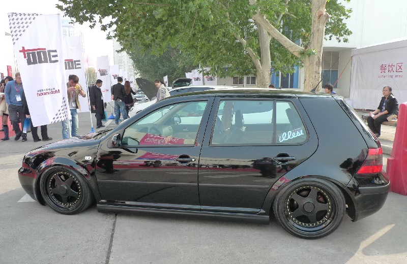volkswagen golf mk4 is a lowrider in china carnewschina com