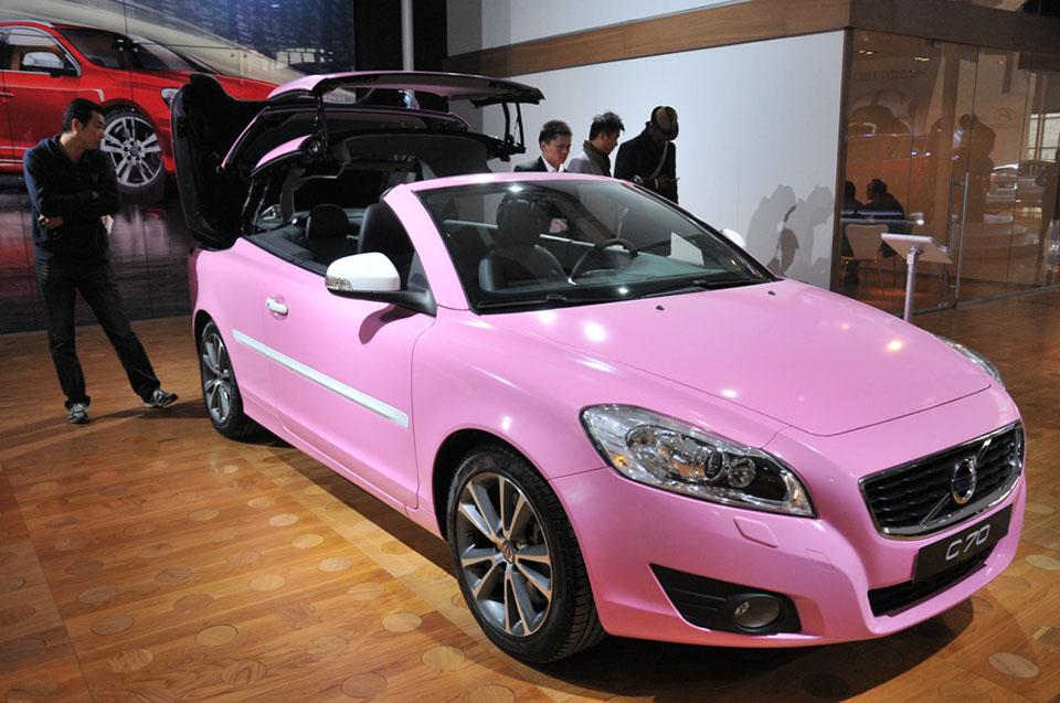http://www.carnewschina.com/wp-content/uploads/2012/11/volvo-c70-china-pink-1.jpg