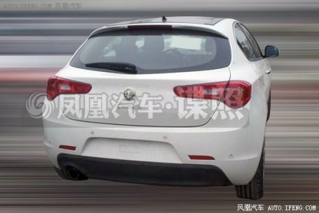 Spy Shots: Alfa Romeo Giulietta seen testing in China