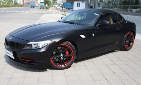 BMW Z4 is matte black in China