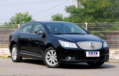 Spy Shots: facelifted Buick Lacrosse is naked in China
