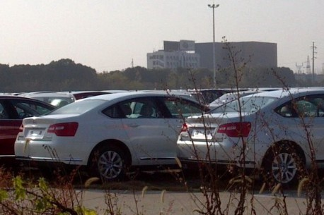 Facelifted Citroen C5 is Naked in China