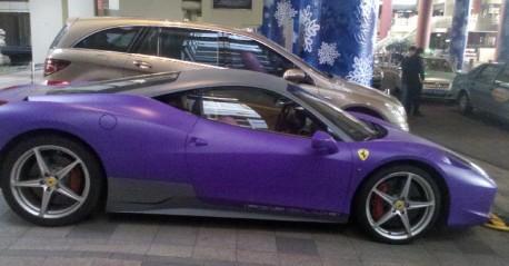 Ferrari 458 Italia is matte purple & matte black in China