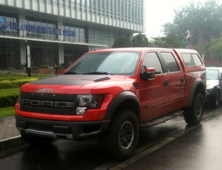 Spotted in China: Ford F-150 Raptor Crew Cab