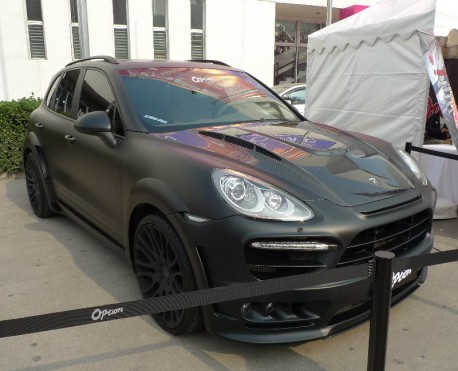Porsche Cayenne Hamann Guardian is matte black in China