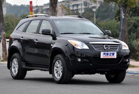 Spy Shots: facelift & 2.0 turbo for the Jiangling Yusheng SUV in China