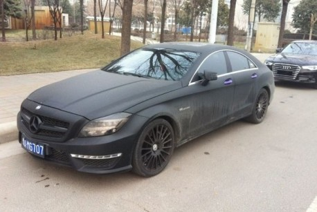 Mercedes-Benz CLS 63 AMG is matte black & dirty in China