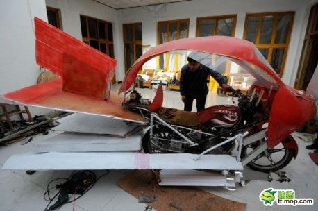 Chinese Farmer invents a Flying Motorbike