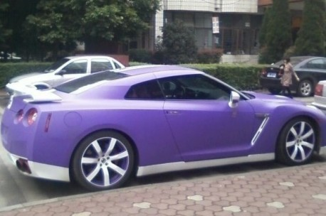Nissan GT-R is purple & a bit white in China