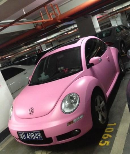 Volkswagen Beetle is matte pink in China