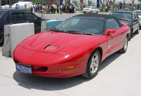 Spotted in China: Pontiac Firebird Convertible