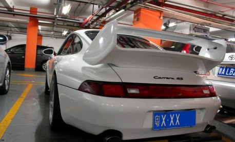 Spotted in China: 993 Porsche 911 Carrera RS