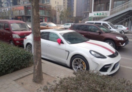 Spotted in China: Mansory Porsche Panamera
