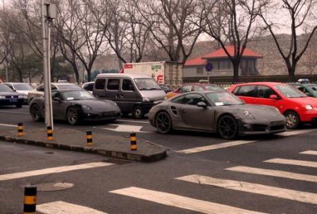 Spy Shot: new Porsche 911 Turbo and Porsche Cayman testing in China