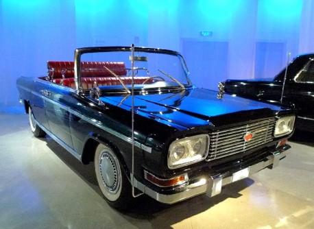 Shanghai Car Museum: the Shanghai SH761 parade car