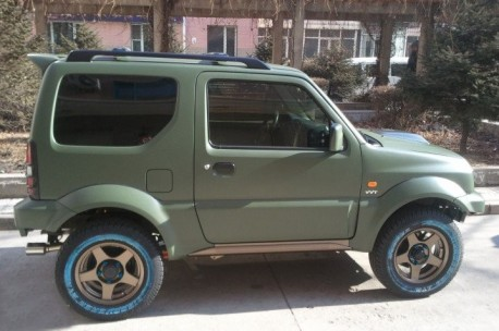 Suzuki Jimny is matte green in China