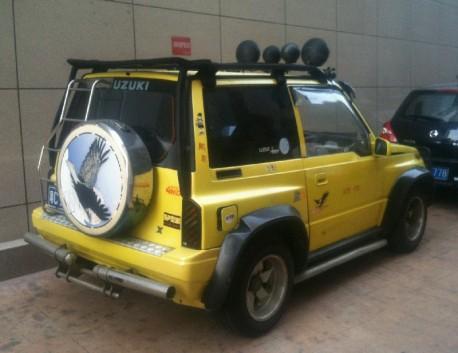 Spotted in China: Suzuki Vitara JX is pimped & yellow