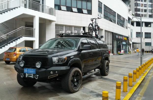 Toyota Tundra is big, bad & black in China