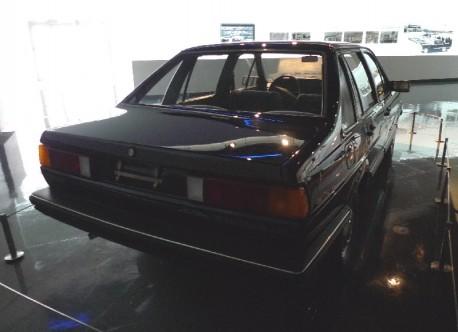 Shanghai Car Museum: 1983 Volkswagen Santana