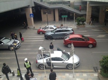 Audi R8 breaks down in China, after a Long Trip