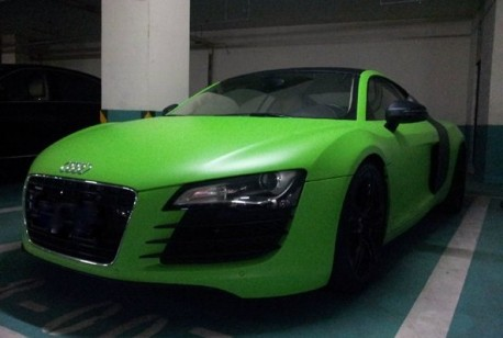 Audi R8 is matte-lime green in China