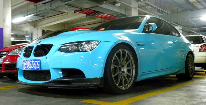 BMW M3 is baby blue in China