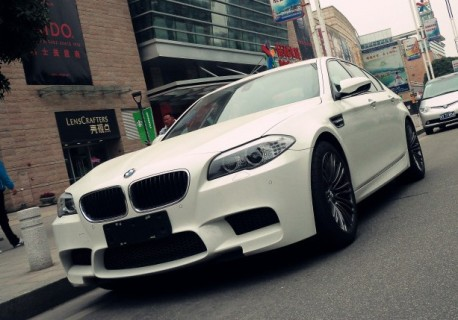 Spotted in China: BMW F10 M5 in white
