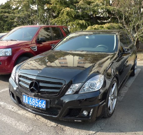 Spotted in China: black Brabus Mercedes-Benz E-Class