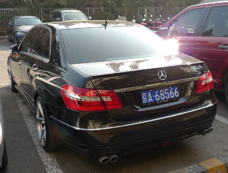 Spotted in China: black Brabus Mercedes-Benz E-Class ...