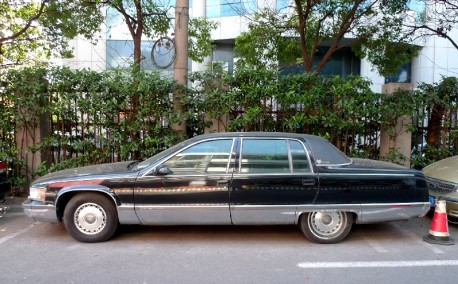 cadillac-brougham-china-2