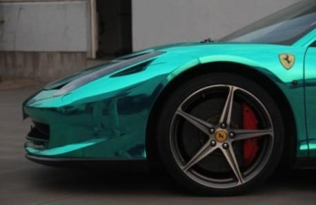 Bling! Ferrari 458 Italia is shiny-metallic green in China