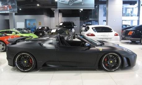 Ferrari F430 Scuderia Spider 16M is matte black in China