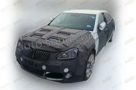 Spy Shots: facelifted Hyundai Equus testing in China