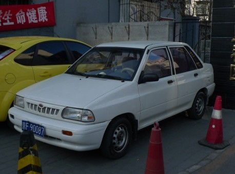 Spotted in China: Kia Pride sedan