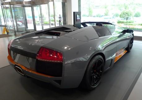 Spotted in China: Lamborghini Murcielago LP 650-4 Roadster