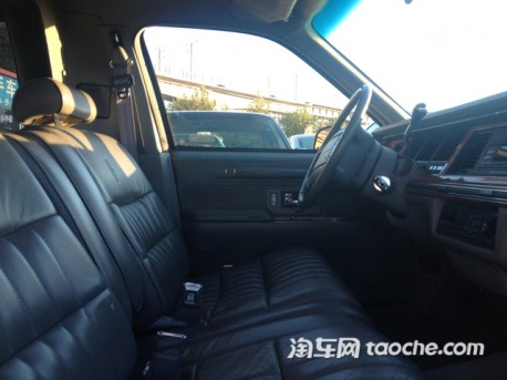 lincoln-town-car-sechand-china-3a