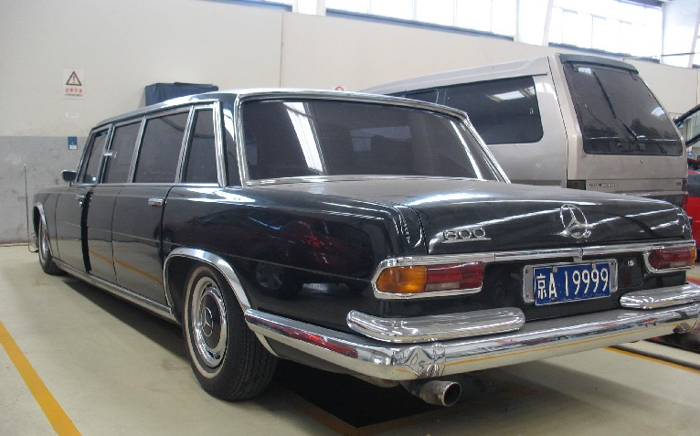 spotted in china w100 mercedes benz 600 pullman. Black Bedroom Furniture Sets. Home Design Ideas