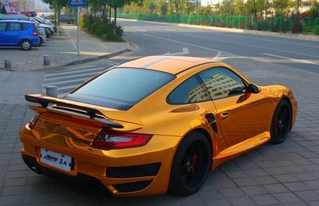 porsche-911-gold-china-4