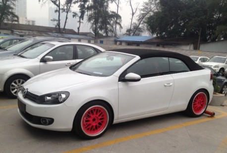 Volkswagen Golf Cabrio on Pink Alloys in China