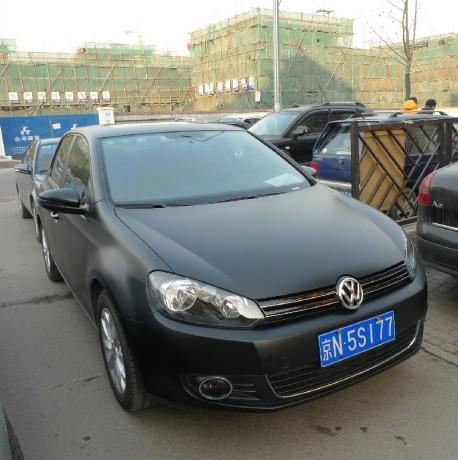 Volkswagen Golf is matte black in China