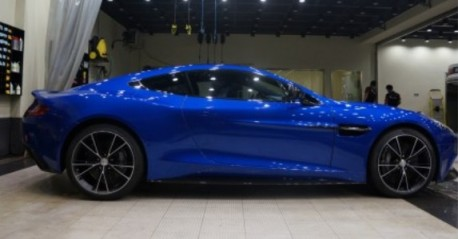 Aston Martin Vanquish in Blue in China