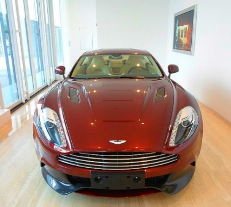Aston Martin Vanquish arrives at the dealer in China