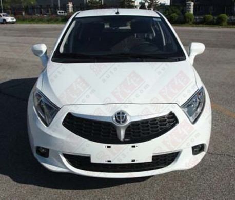 Spy Shots: Brilliance H230 hatchback lost its mustache