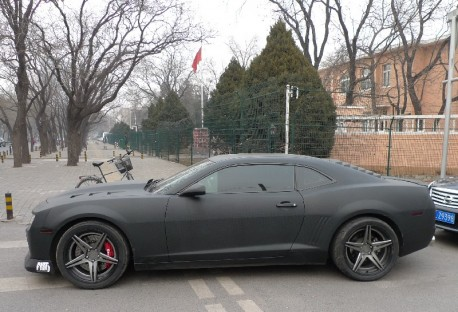 Chevrolet Camaro is carbon fiber matte black in China