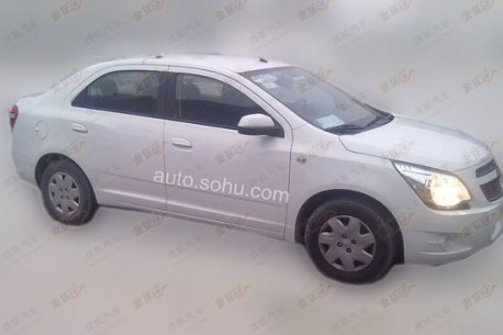 Spy Shots: Chevrolet Cobalt testing in China