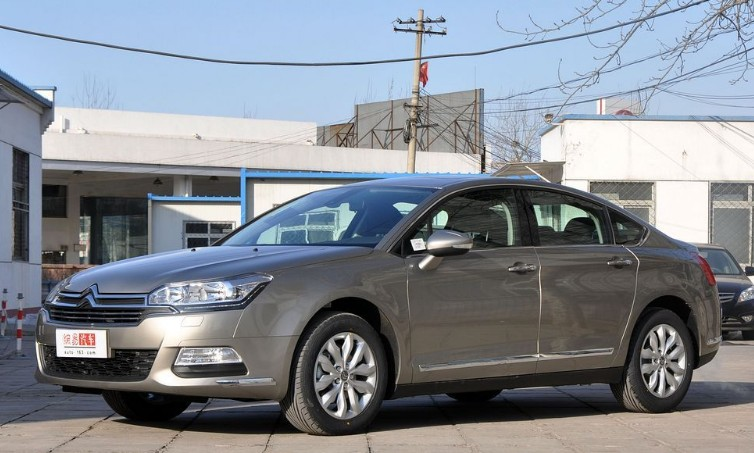 Facelifted Citroen C5 arrives at the Dealer in China - CarNewsChina.com