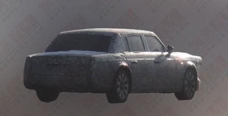 Spy Shots: Hongqi L7 seen testing in China